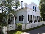 Beautiful Five Bedroom House In-town Edgartown