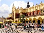 Cracow Cloth Hall, Main Square
