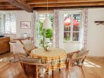 Living- Kitchen / towards the terrasse