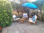 Zona chill out en el jardín