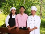 Villa Gamrang Team and female cook(s)