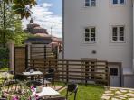 jardín/terraza y fachada trasera