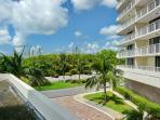 Bright, clean beachfront condo w/ heated pool & tennis courts