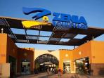 Comercial Zenia Boulevard a 2 km