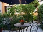 un giardino dove mangiare....riposarsi