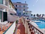 Ingresso Appartamenti con vista mare e piscina