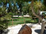Rincón del parque Princesa Diana y sus cuidados jardines.