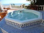 Hot Tub & Jacuzzi