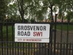 Grosvenor Road runs along the river between Chelsea Bridge and Vauxhall Bridge