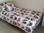 single bed with dapper doggies