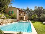 06.643 - Villa with pool i...