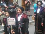 défilé de costumes du village