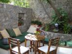 the courtyard, a perfect place for breakfast
