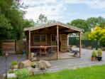 All year round cosy cabin Under 12's Free of Charge Great location to explore Cheddar in Somerset