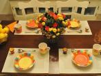 Beautiful & plentiful luxury cutlery, crockery & crystal glasses
