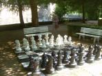 giant chess Dampierre chateau