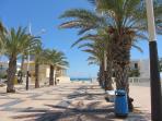 entrada a la playa más cerca del apartamento