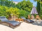 bain de soleil pour se détendre dans votre jardin privatif