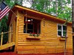 A Cozy Cabin loving the SC mountains! Hiking and scenery along the Cherokee Foothills Scenic Hwy!