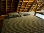 una cama grande y en un entorno organico!
