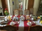 LES CHENEVIS / Petits déjeuners copieux
