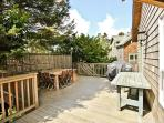 Deck with Picnic Table & Propane BBQ Grill