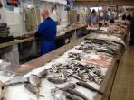 Ajuda Daily Market is great to buy fresh fish, meat, vegetables, fruit, bread and cheese