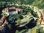 vue aérienne d'une partie du village - Boucle de l'Allier