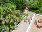 Panoramic and uninterrupted view to the garden