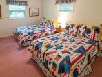 Bedroom w/ 2 doubles