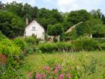 vue d'ensemble de la maison et le jardin