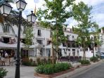 Plaza del pueblo cerca del apartamento