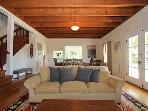 Black Mountain, Farmhouse Living room