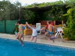 Great pool for kids - shallow end with steps