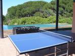 Calciobalilla, bocce e ping-pong bordo piscina accessibili agli ospiti gratuitamente