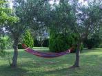 Angolo relax in giardino.