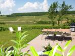 Panoramic views of the vineyards of Burgundy : walking or cycling