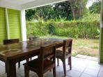 Terrasse ouverte sur jardin privatif