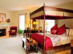 Master Bedroom/Main Floor