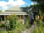 Pretty as a picture. Valley View Cottage Warragul in Springtime.