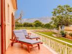 extensive, furnished verandas