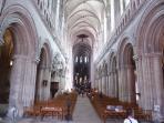 l'intérieur de la cathédrale de Bayeux