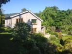 ERW NANT, architect-designed detached, woodburner, gardens, woodburner, WiFi, ne