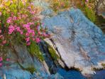 El arroyo con su increíble piedra azulada