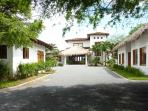 Priv. Beachfront House Gated Golf and Surf Resort