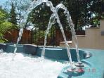 le jacuzzi et ses jets d'eau