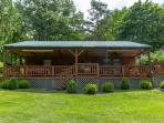 Huge Front Porch, Fenced Back Yard, Short Walk to Seneca Lake