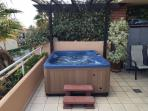 Hot tub for 4 on the 50 sq m terrace