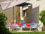 Le solarium: Apportez votre piscine (6m x 3m)!