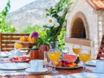 Take your breakfast outdoor and enjoy the fresh country air!